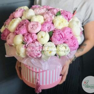 "Коробка ""Pink & White"" (39 пионов)"
